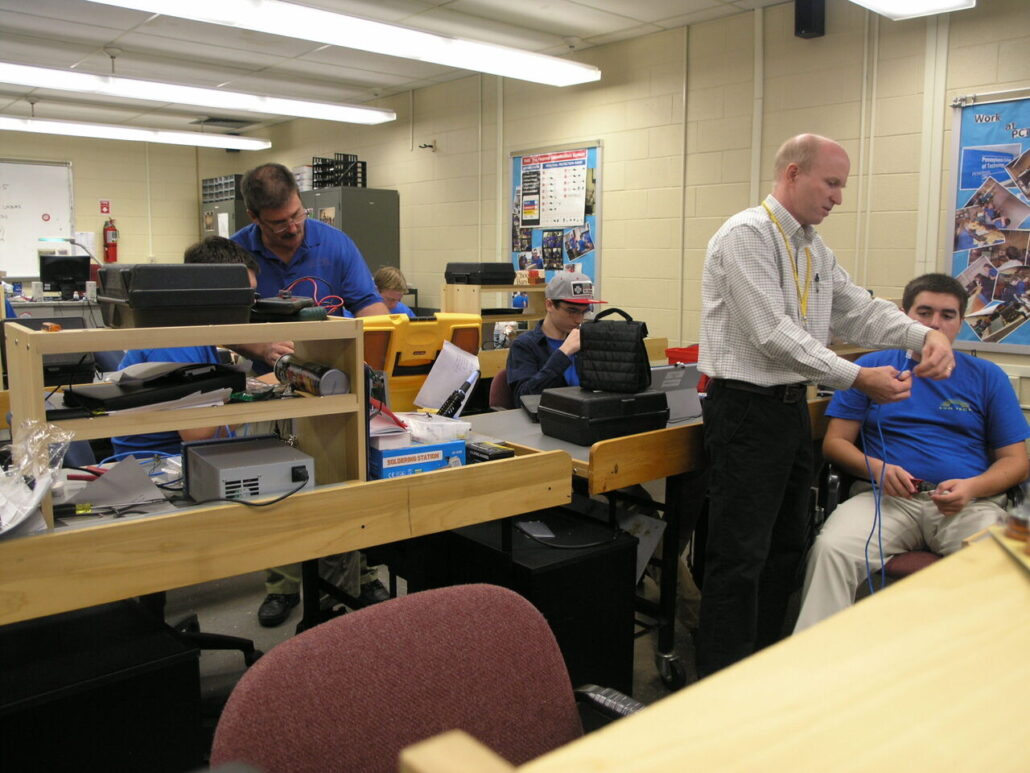 SUN Tech's Len Schwartz and Penn College's Jeff Rankenin Teach-Teach in Electronics
